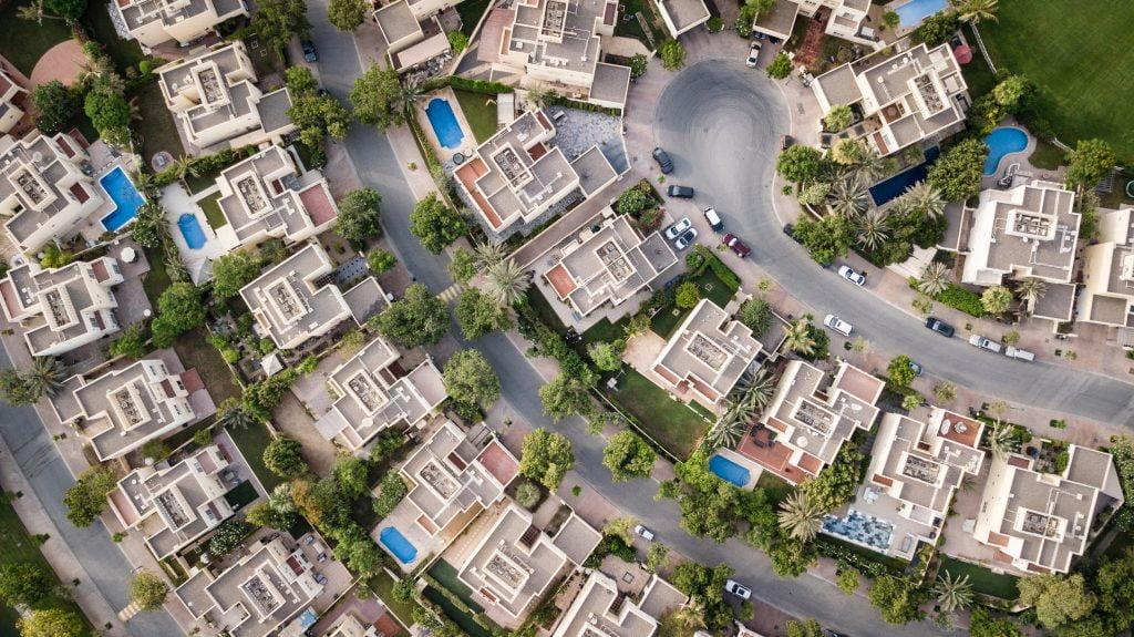 aerial-view-of-buildigns-1642125