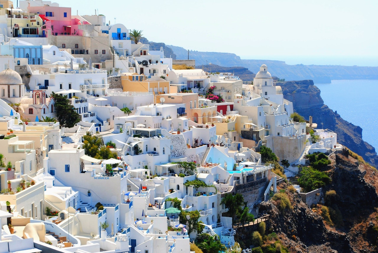 The Greek Way to Organize Your Afterlife
